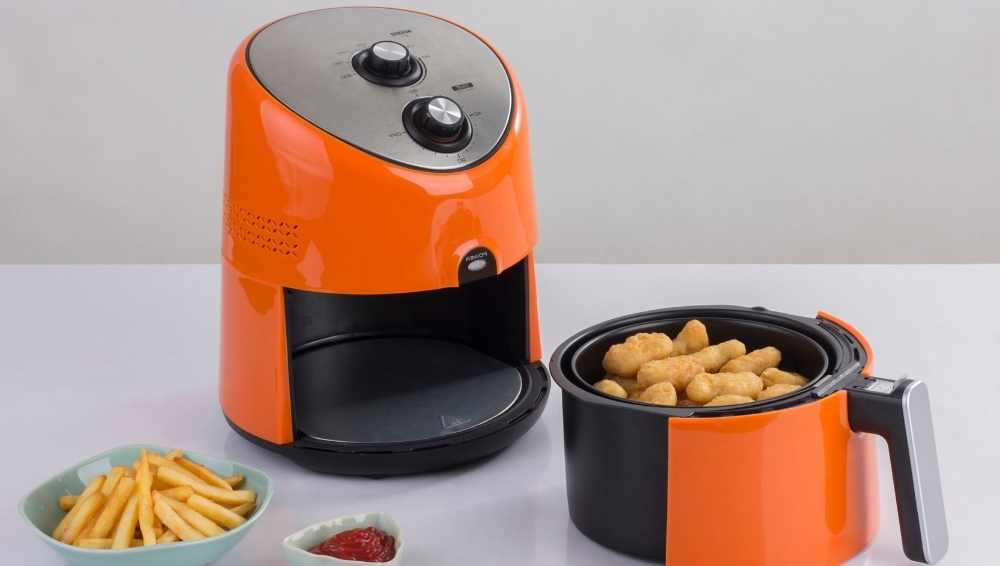 The mozzarella sticks should be fried in the air fryer