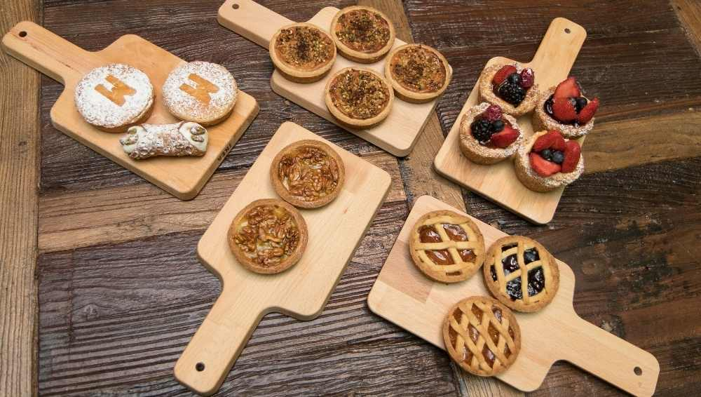 Pastries, breads, cakes, and other similar items